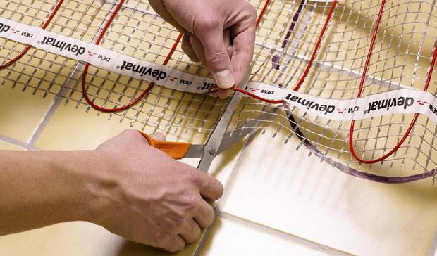 При раскрое сетки мата следует избегать повреждения кабеля