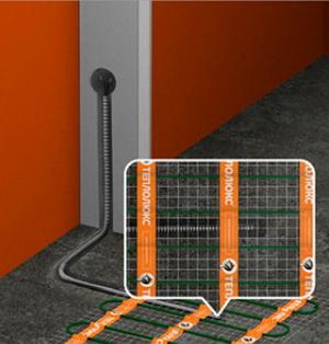 Установка датчика температуры терморегулятора в борозде между витками кабеля